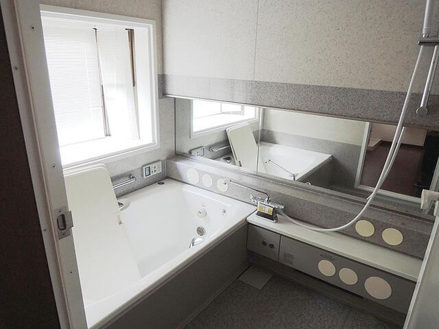 松川村・庭園付中古住宅(住宅・店舗) 浴室