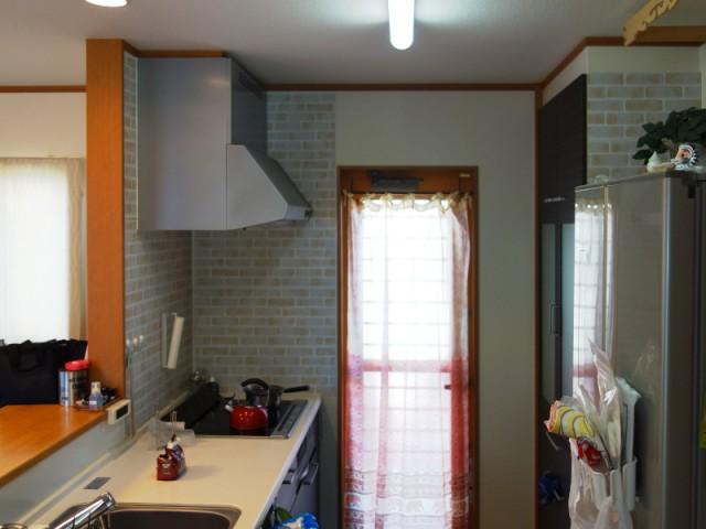 陽射しの差し込むキッチン