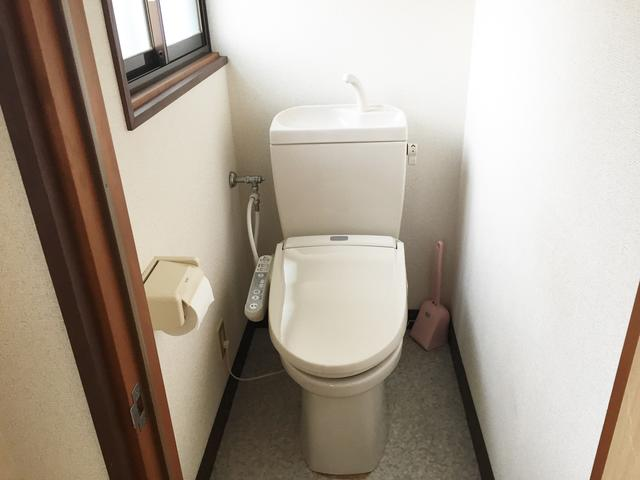 ☆温水洗浄便座付きトイレ☆