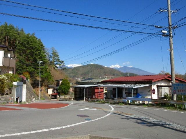 城山団地入口から見える八ヶ岳
