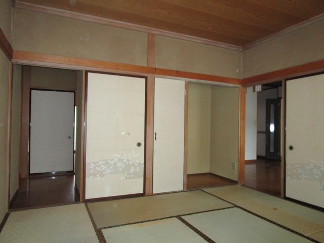 1階南東和室です。