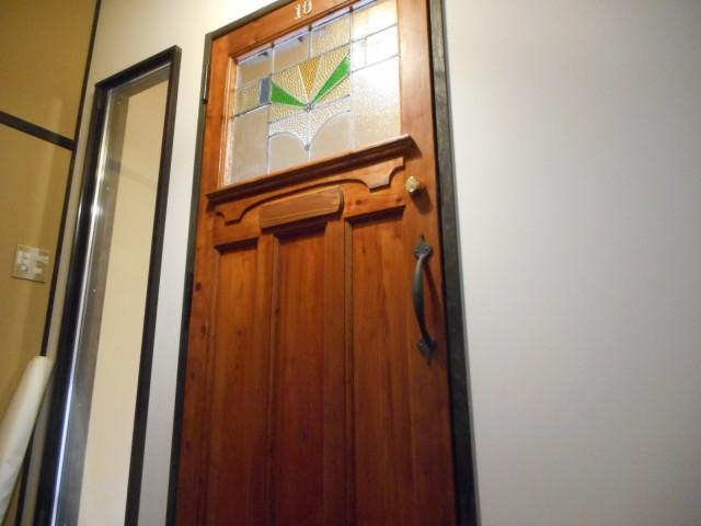 入口扉外側