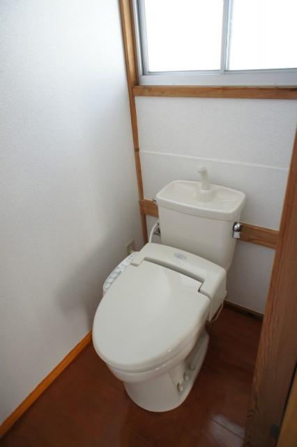 トイレも新品交換済み!壁紙、床張り替え済み!