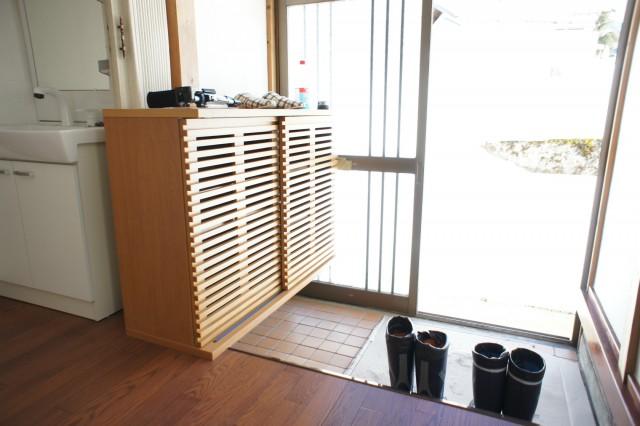 玄関スペース。新品シューズボックス設置!