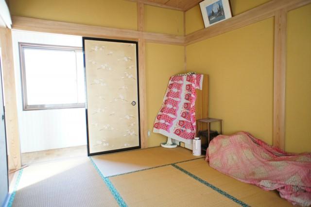 2F6帖和室。  2Fは、比較的そのまま利用できそうな印象です。