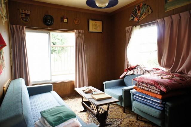 約6帖洋室。  二面の窓で明るいお部屋です。