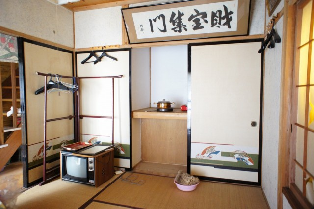 1階6帖和室。  収納もございます。