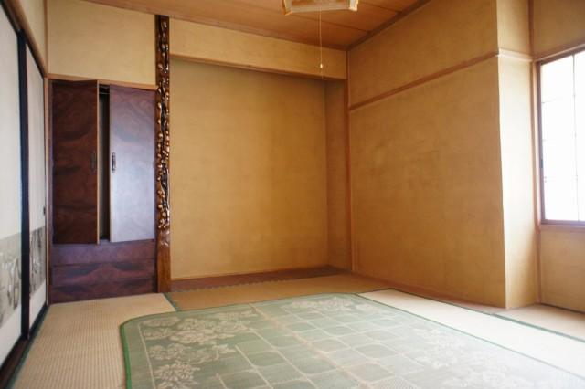 3階7.5帖和室。  押入れ収納もあります。