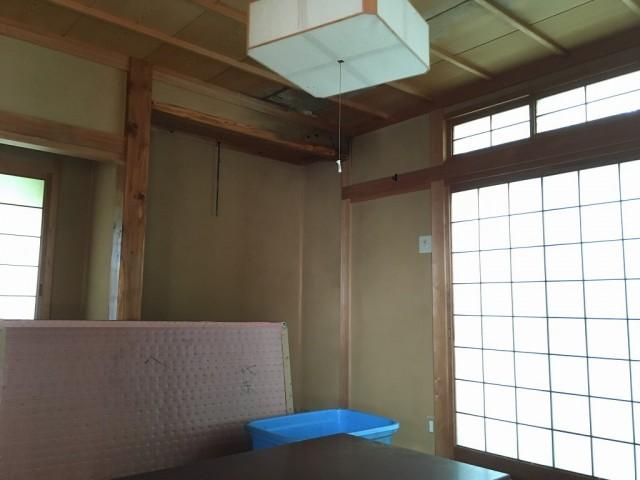 1階和室天井雨漏れ有