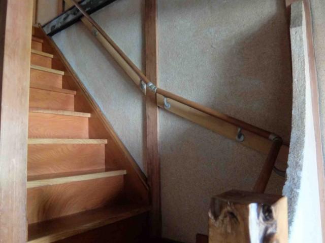 手すり付階段