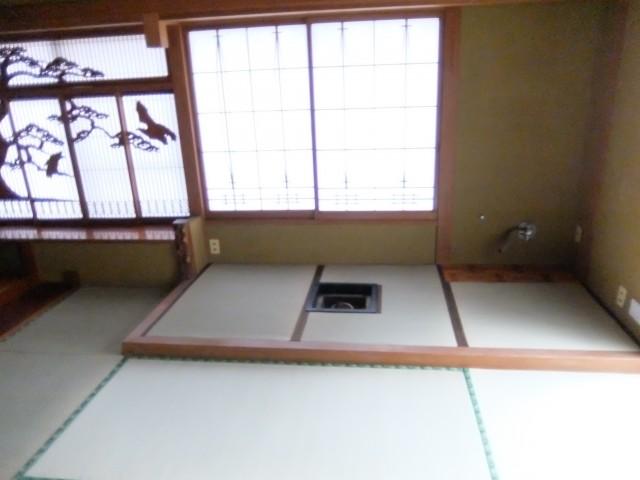茶釜付き和室