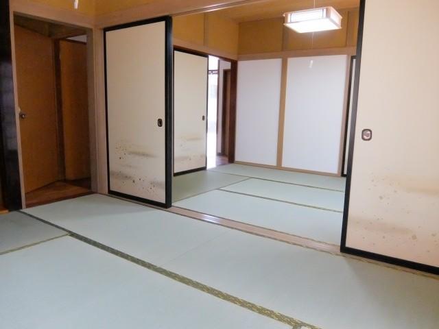 1階和室続き間