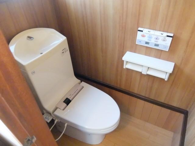 1階洗浄式トイレ