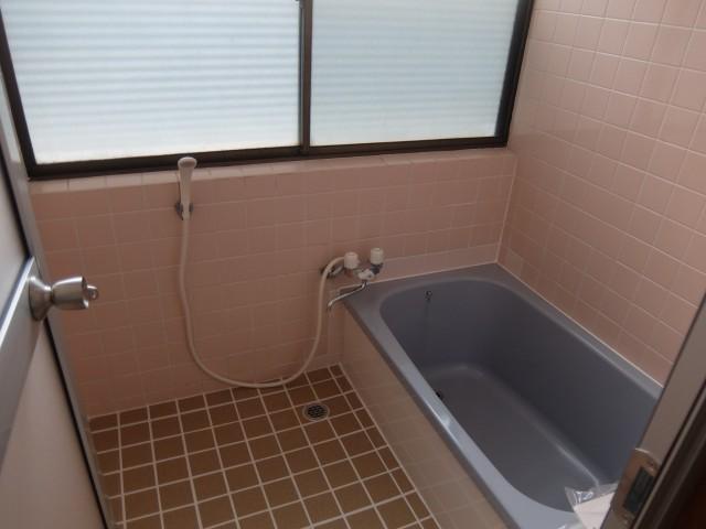 風呂 浴槽は新品