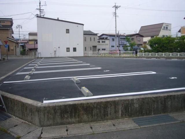 歩1分 大手町小池駐車場