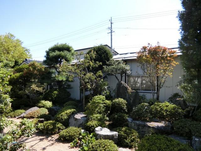 立派な日本庭園です。