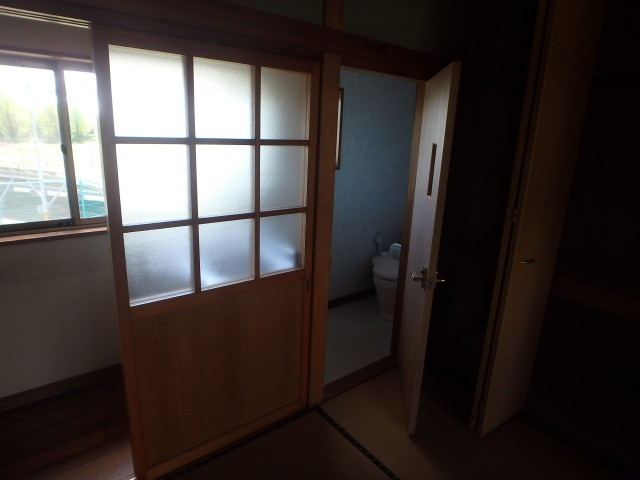 南側2F トイレ(汲取)