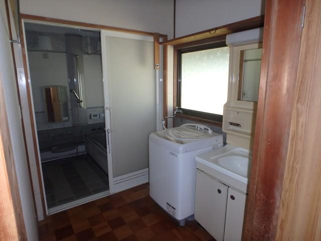 1F洗面脱衣、浴室