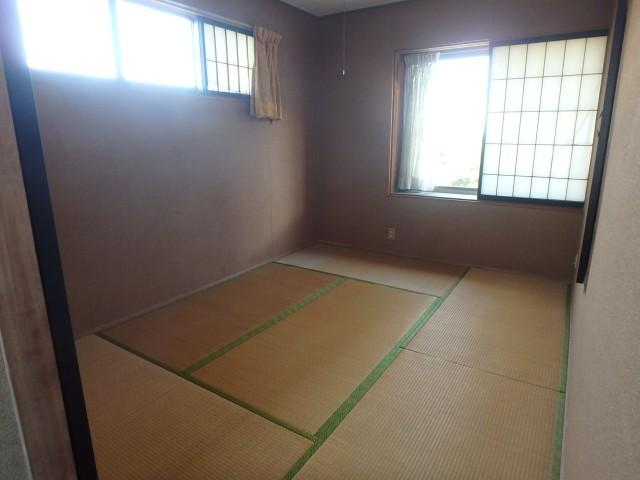 北側2F 東側和室
