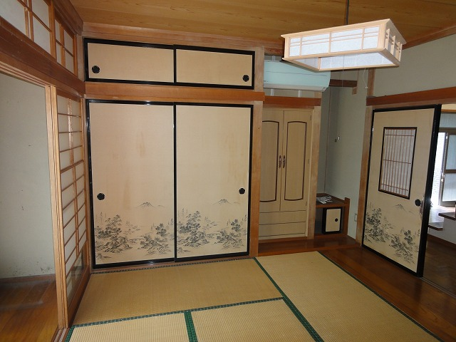 居間横の和室