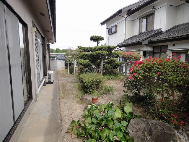 南側の庭園です。