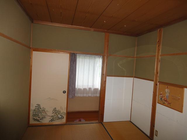 2階6帖和室です。
