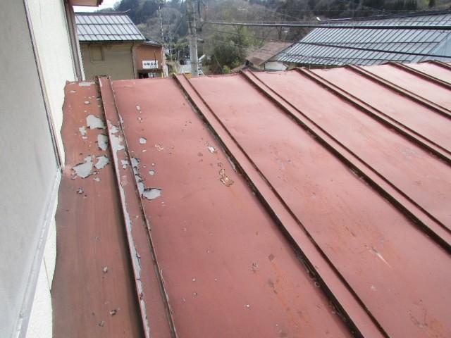 トタン葺屋根