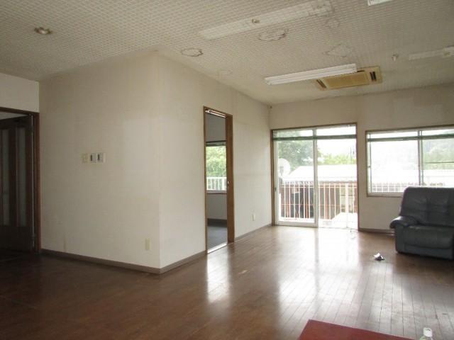2階事務室・応接室