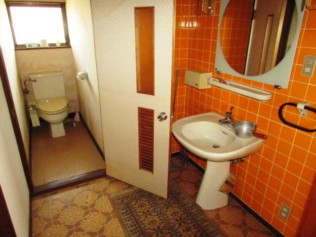 2階トイレ・洗面