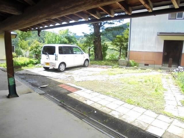 庭(駐車場)