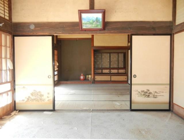 内部(居間~仏間)