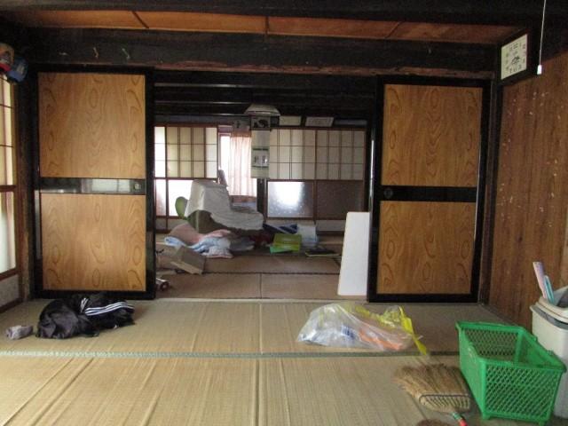 1階和室8帖(続き間)