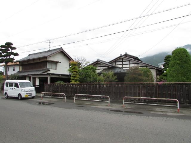 西外観(左が旧家)