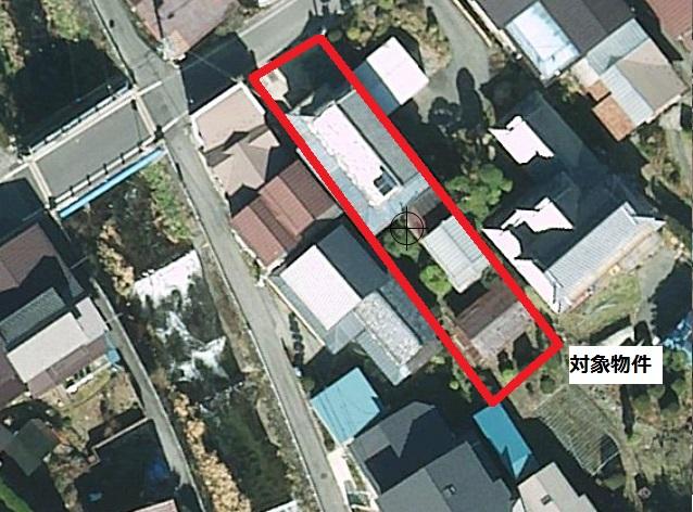 航空写真から見た建物(敷地部分を赤線で囲ってありますが、おおよその位置なのであくまで参考にご覧下さい。)