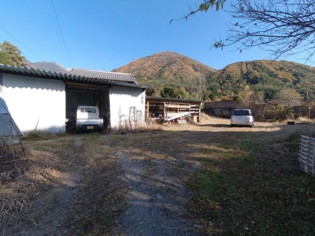 農作業用の納屋もあります。