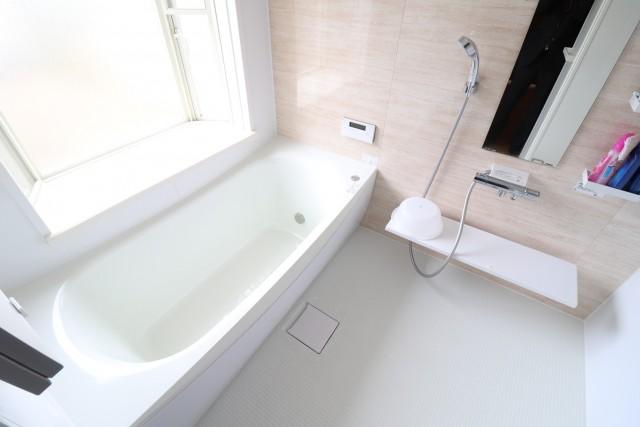 浴槽、洗い場が広くゆったりとくつろげます♪